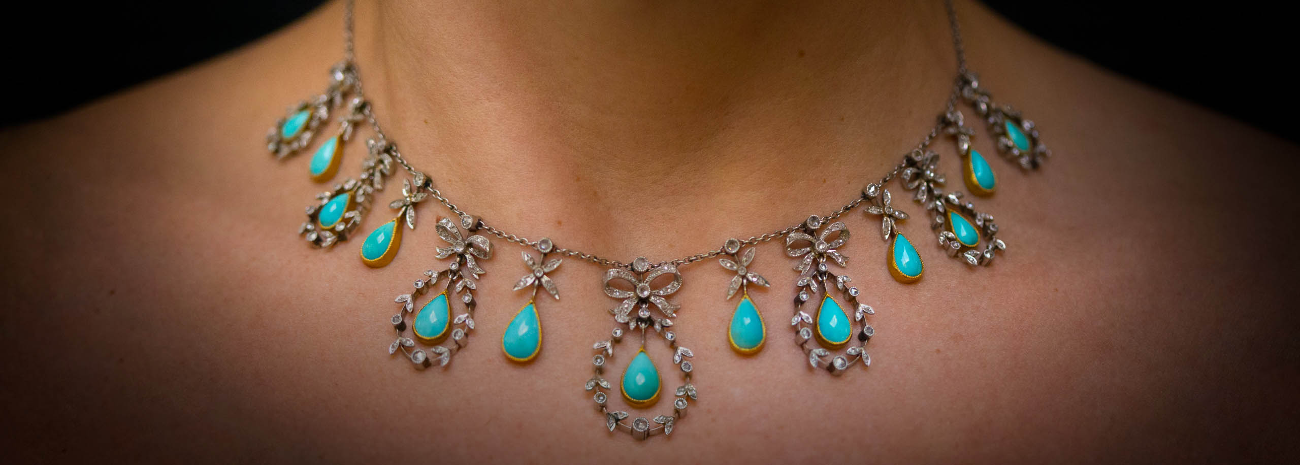289cde8a8f081 Necklaces: Vintage & Antique Necklaces. Diamond Necklaces | Lang