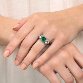 Art Deco 2.08 Carat Emerald and Diamond Platinum Ring - GIA