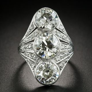 Art Deco Three-Stone Diamond Dinner Ring  - 2