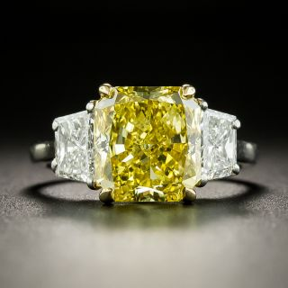 Bulgari 3.78 Carat Fancy Vivid Yellow Radiant-Cut Diamond Ring - 2