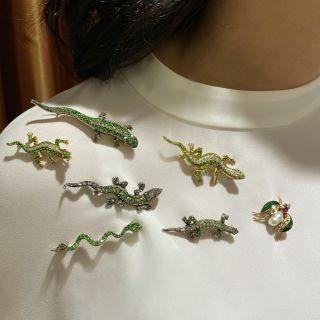 Demantoid Garnet and Diamond Salamander Brooch