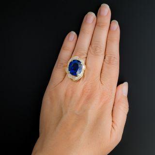 Estate 18.80 Carat Tanzanite and Diamond Ring