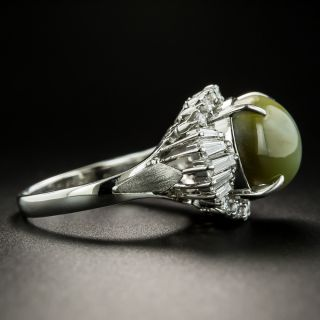Estate 8.43 Carat Cat's-Eye Chrysoberyl Cabochon and Diamond Ring