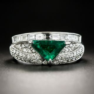 Estate Triangular 1.03 Carat Emerald and Diamond Ring - 1
