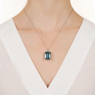 Fine 19.50 Carat Aquamarine and Diamond Pendant Necklace