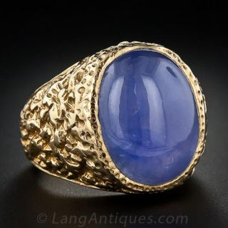 Star Sapphire Gent's Ring in Textured Yellow Gold