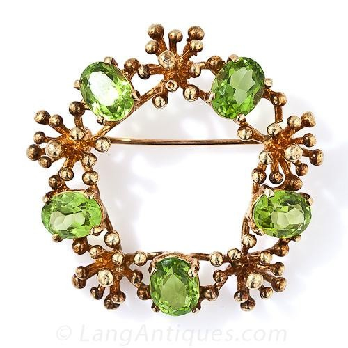 Peridot Wreath Pin