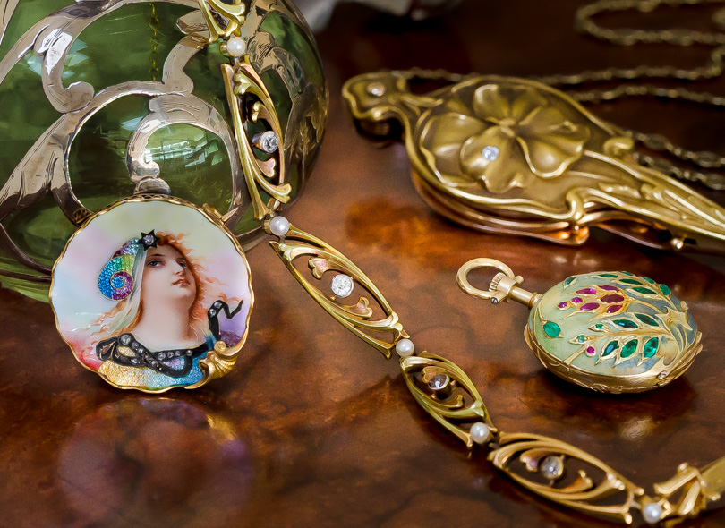 About Art Nouveau Jewelry