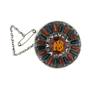 Jewelry from Scottish agate came into fashion after Prince Albert bought Balmoral Castle in 1848 and many lovely examples of this type are highly coveted by collectors today.