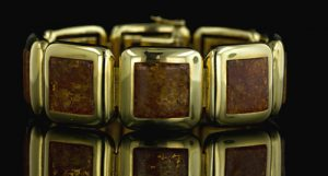 18K Yellow Gold Bracelet Set with Yellowy Orange Amber, German.