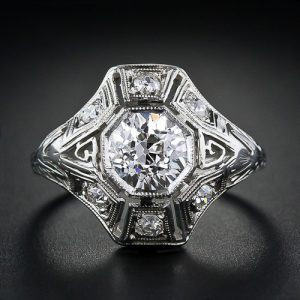 1.05 Carat Diamond Art Deco Engagement Ring.