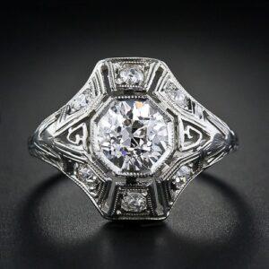 1.05 Carat Diamond Art Deco Engagement Ring.