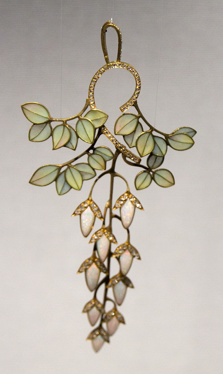 Art Nouveau Leaves Pendant.jpg