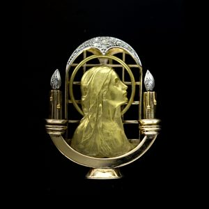 Art Nouveau 18k Yellow Gold Madonna Brooch in the Medallist Style.