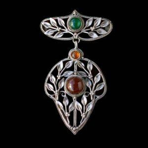 Henry G. Murphy Arts & Crafts Carnelian, Chalcedony, Silver Pendant/Brooch, c.1920.