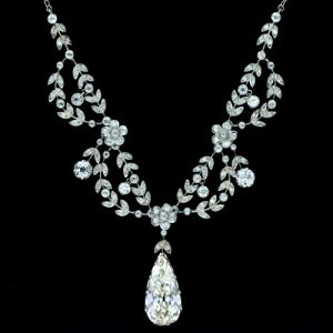 Belle Epoque Floral and Foliate Motif Diamond Necklace.