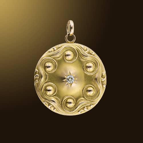 Bloomed_Gold_Locket