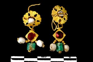 Set of Earrings from the Treasure of Vaise