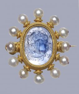 Castellani Heavy Rope Motif with Pearl Frame Surrounding a Cameo of Medusa. c.1870, Sapphire. © Trustees of the British Museum.
