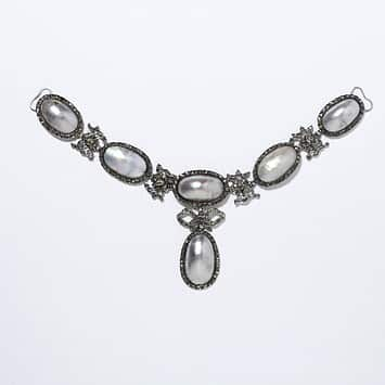 Coque_de_Perle_Necklace