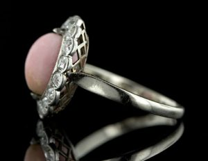 An Edwardian Solid Platinum Ring.