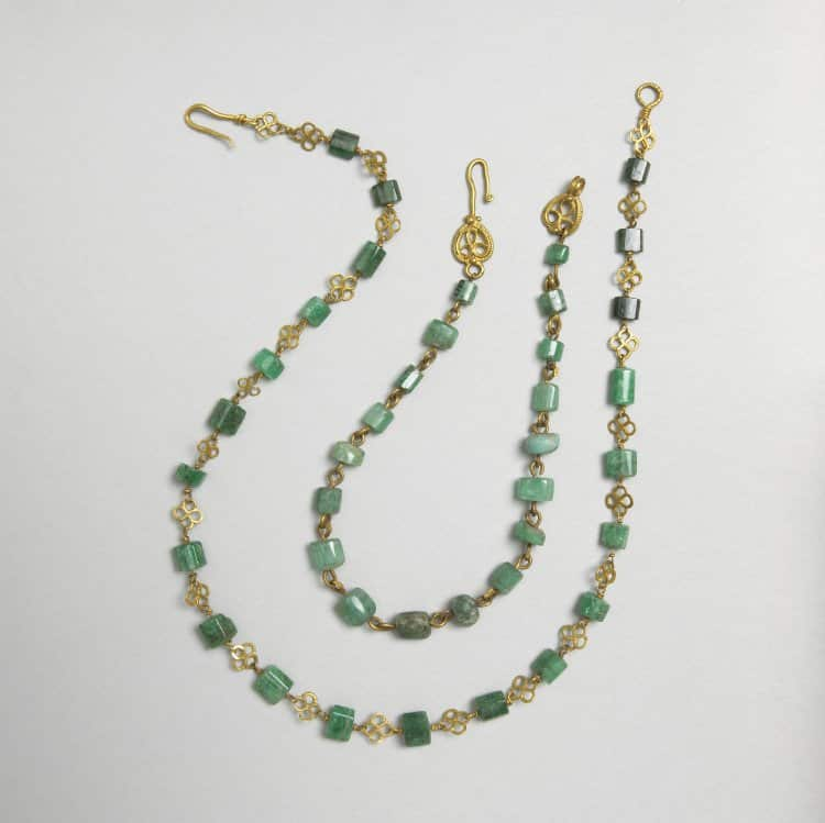 Emerald Bead Necklace.jpg
