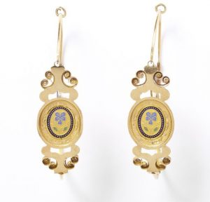 Delicate French Gold and Enamel Poissardes Earrings. c.1820.