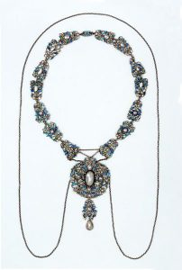Arts & Crafts Necklace by Georgie and Arthur Gaskin, c.1910.