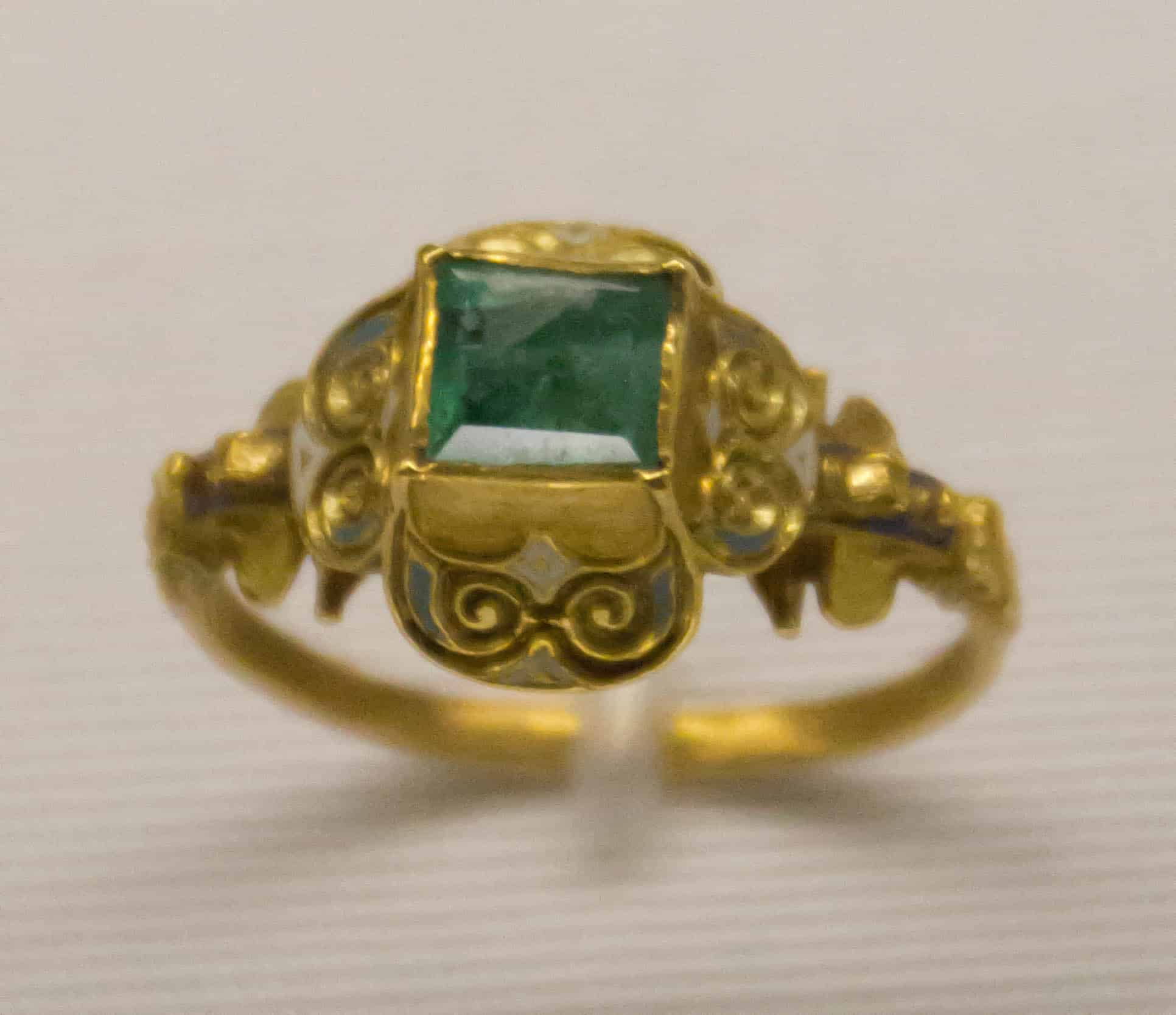 German Late 18th Cen Gold Emerald Ring.jpg
