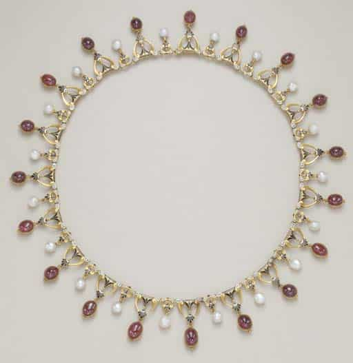 Giuliano Garnet Necklace.jpg