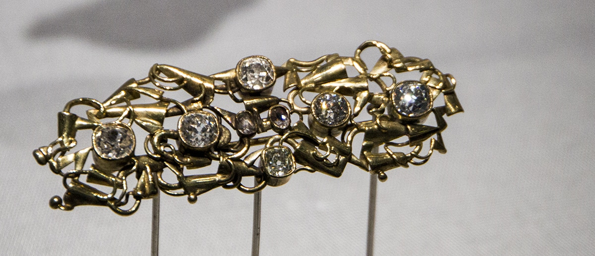 Gold Diamond Brooch.jpg