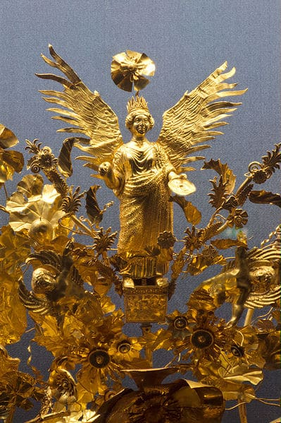 Golden_Crown_Armento_Staatliche_Antikensammlungen_Detail_01