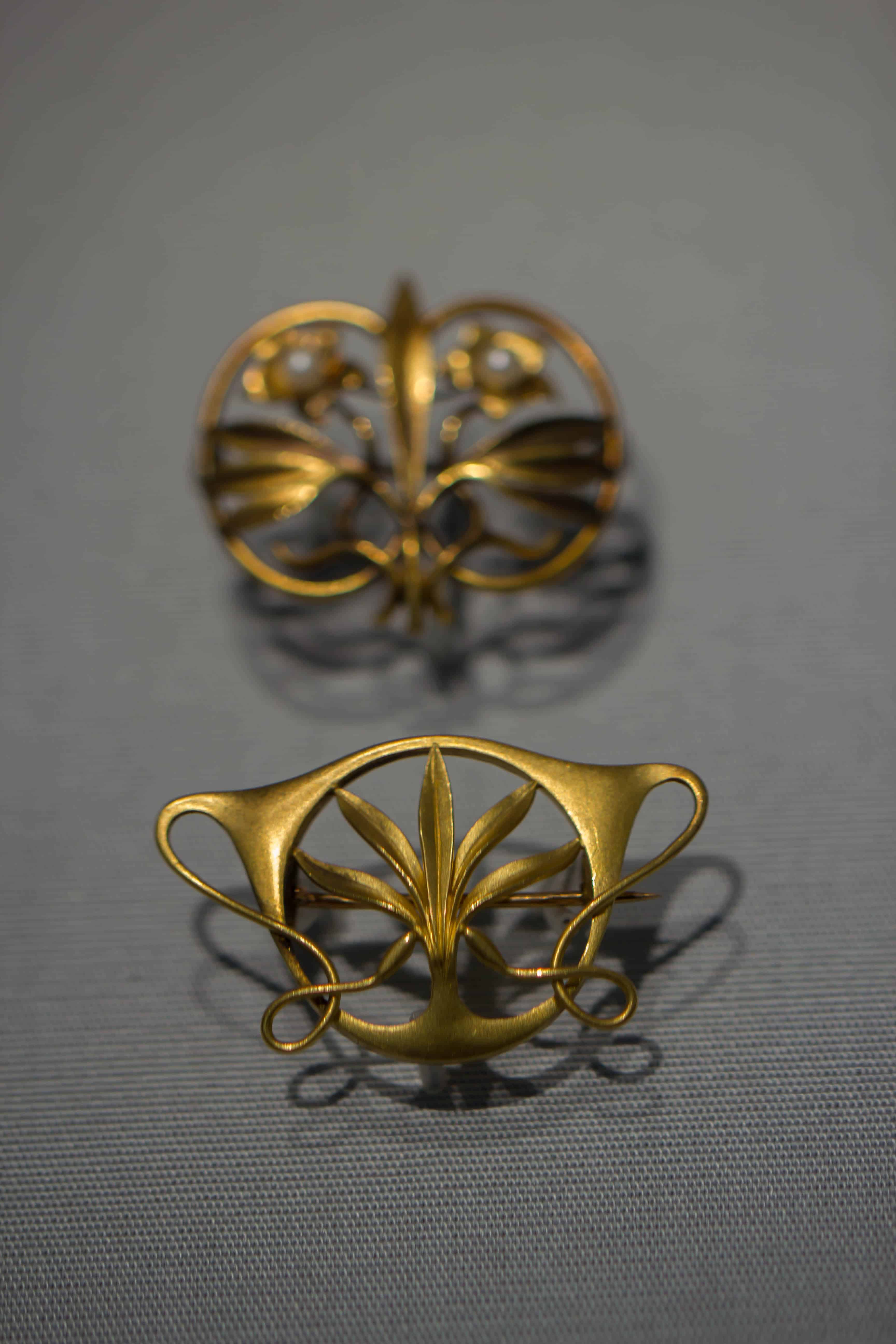 Golden art nouveau pin 22.jpg