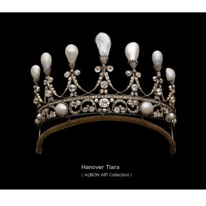 Pearl and Diamond Hanover Tiara c.1830. © Albion Art.