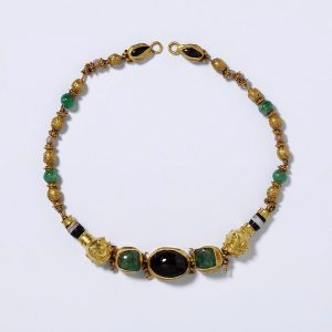 Emerald, Garnet and Gold Helenistic Necklace c.200 BC.