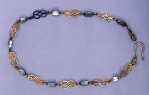 Hercules Knot Emerald and Gold Necklace c. 2nd-3rd Century.