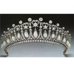 Diamond and Pearl Lovers Knot Tiara for Queen Mary c.1913.