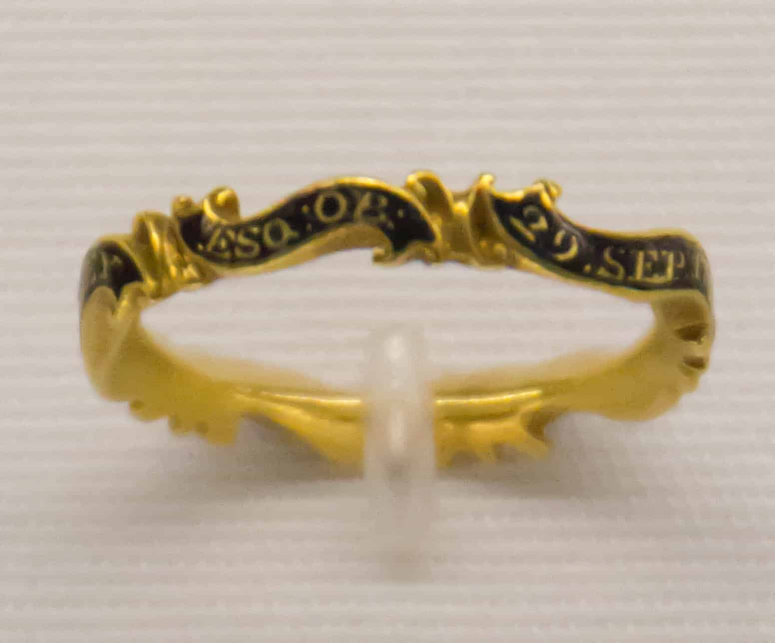Memento Mori Ring 17th Cen.jpg