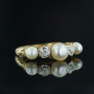 Natural Pearl Ring.