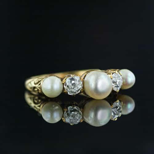 Natural Pearl Ring.