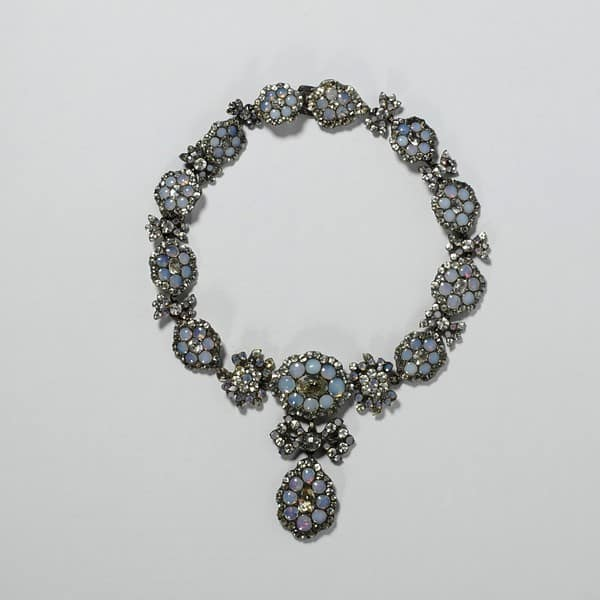 Opaline Paste Necklace.jpg