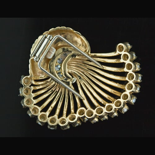 Pin_style_clip_brooch