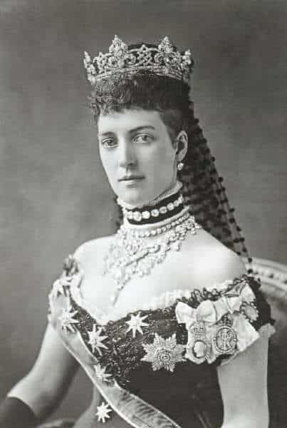 Queen Alexandra dog collar.jpg