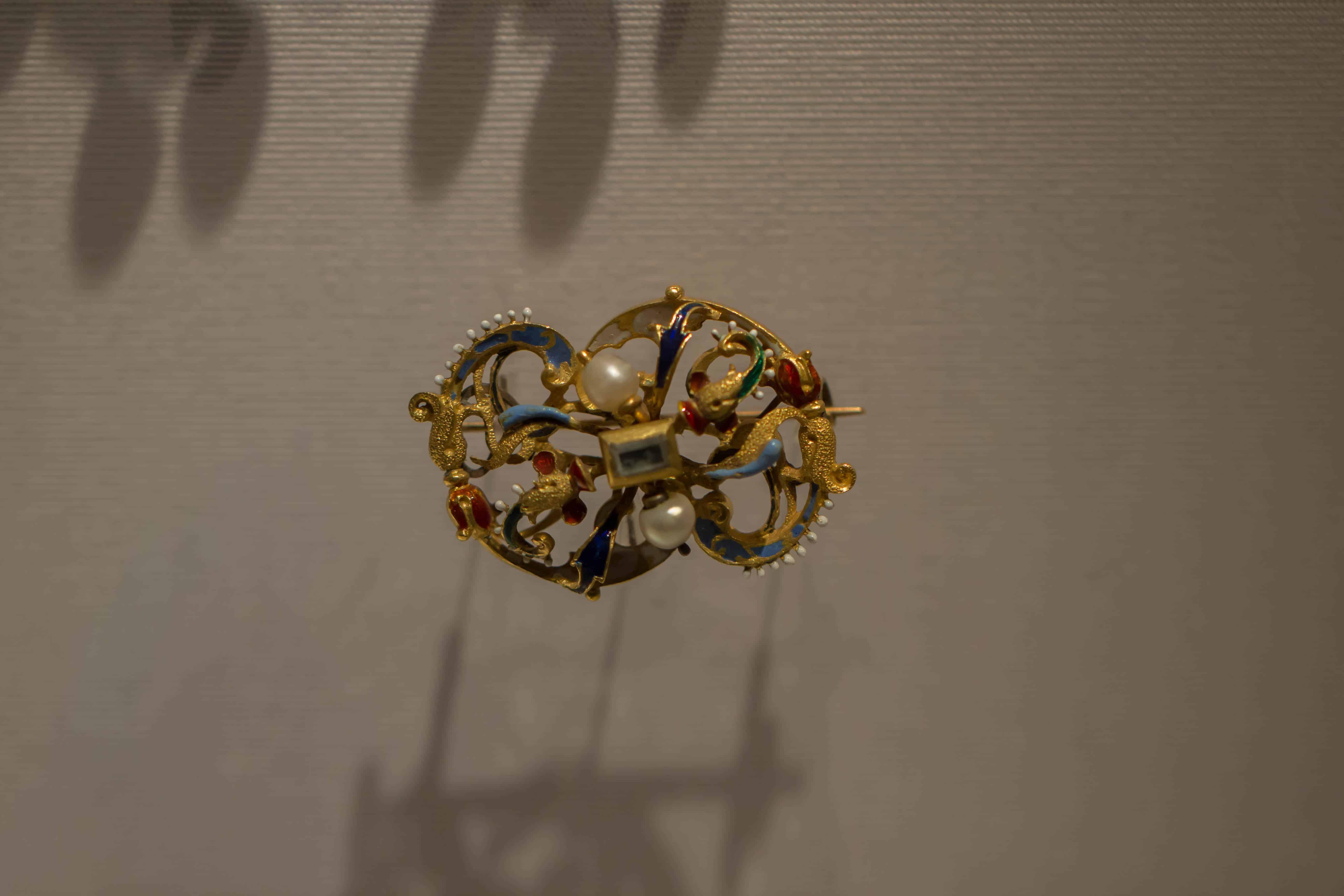 Renaissance Brooch Pearls Enamel Gold Diamond.jpg