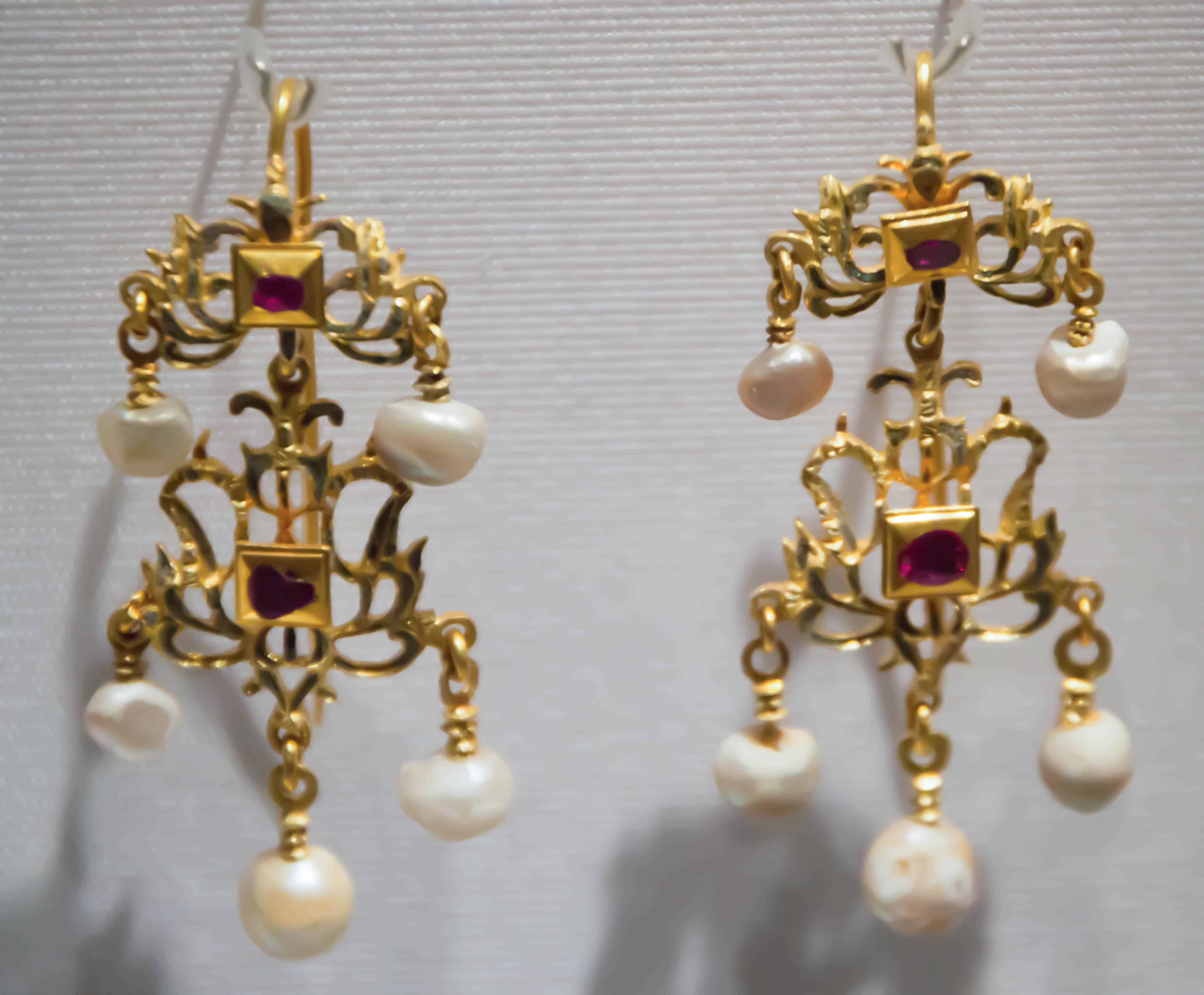 Renaissance Earrings Rubies.jpg