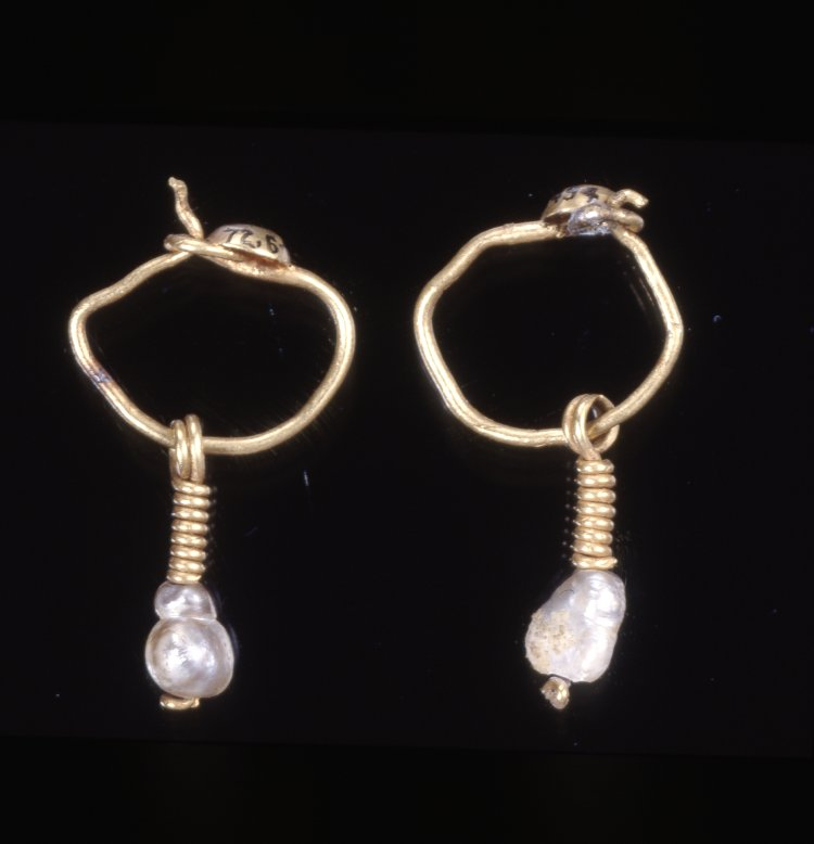 Roman Pearl Drop Earrings.jpg