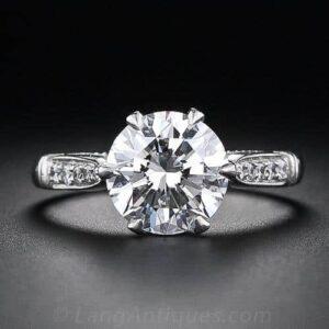 Round Brilliant-Cut Diamond.