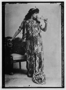 Photograph of Sarah Bernhardt as Cléopatre. Circa 1899.