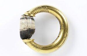 Etruscan c. 450-300 BC Victoria & Albert Museum Collection.