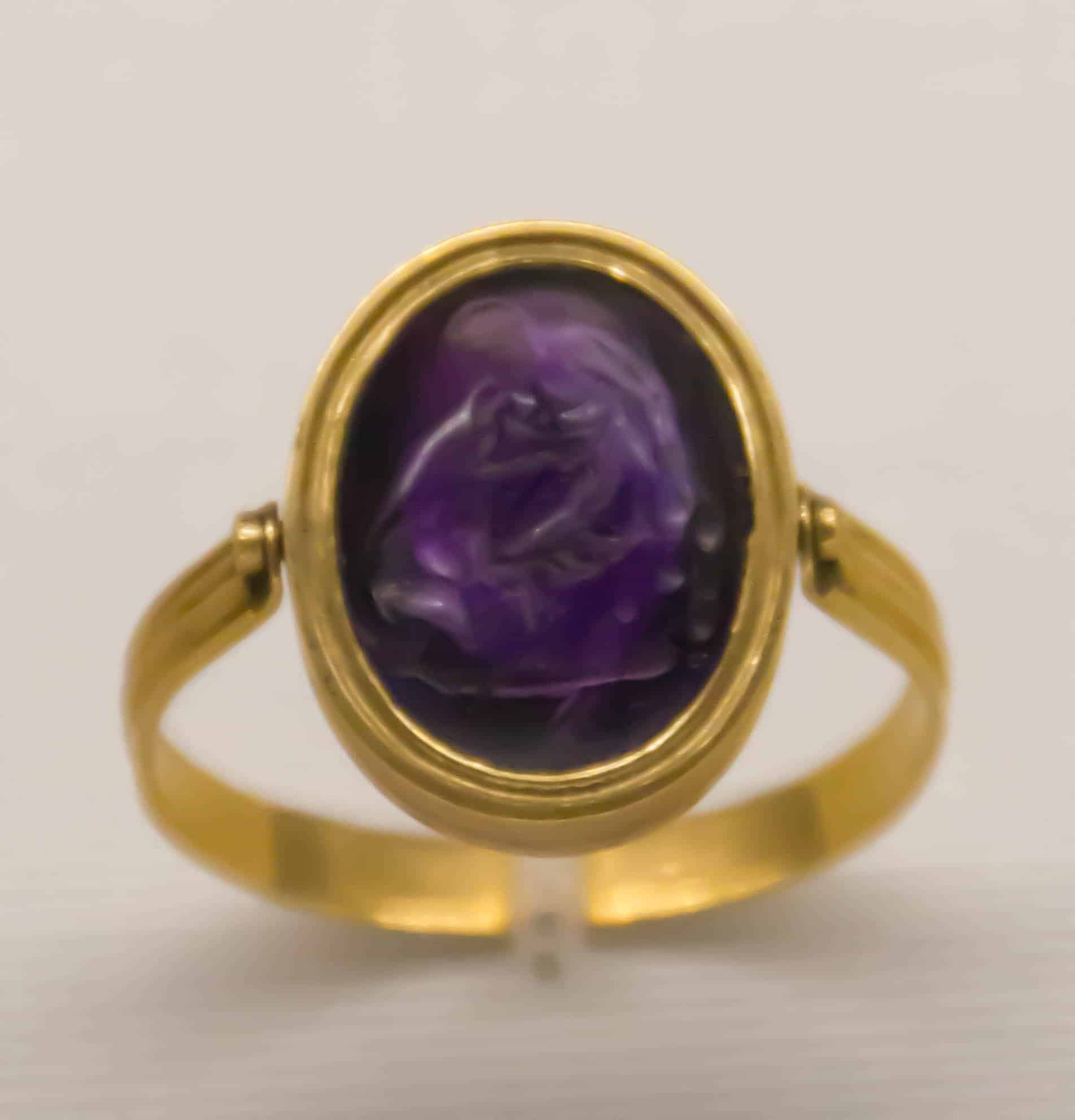 Signet Ring Italy Early 19th Century Gold Amethyst Hercules Cerberus.jpg